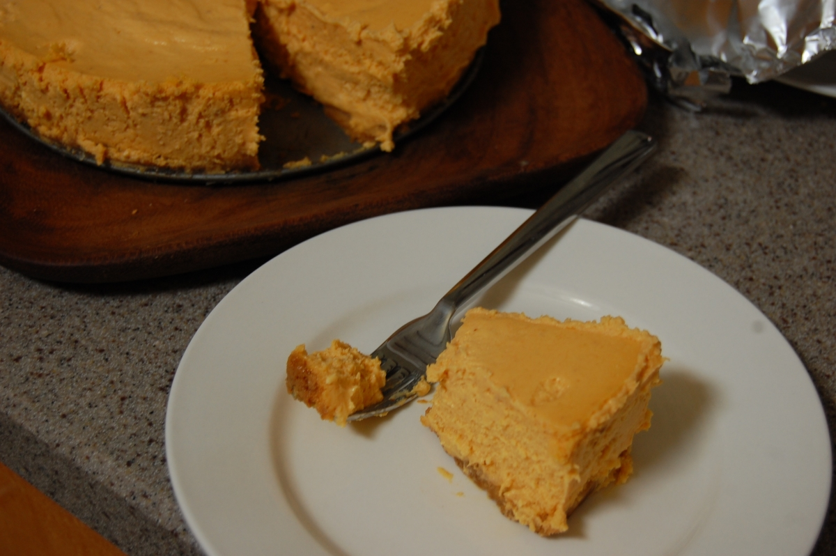 sous vide pumpkin cheesecake with gingersnap crust